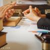 تظاهر به شغل وکالت یا کلاهبرداری - سو استفاده از عنوان وکیل
